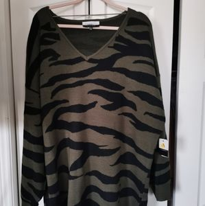 Eloquii Oversized V-Neck Olive Green Sweater